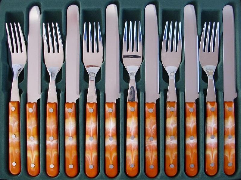 12 tlg fr hst cks abendbrot besteck glatt orange weiss onlineshop f r messer und bestecke. Black Bedroom Furniture Sets. Home Design Ideas